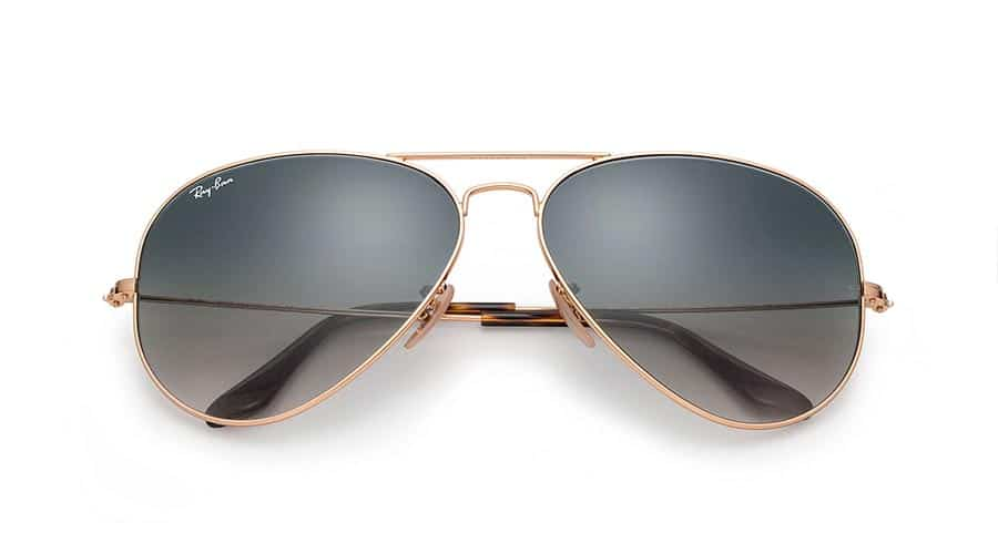 """59e1083fbd60b6 Efter att Tom Cruise bar dessa pilotbrillor från Ray-Ban i filmklassikern  """"Top Gun"""""""