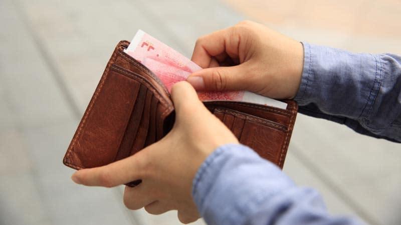 8 bästa tipsen för att få mer pengar över i plånboken