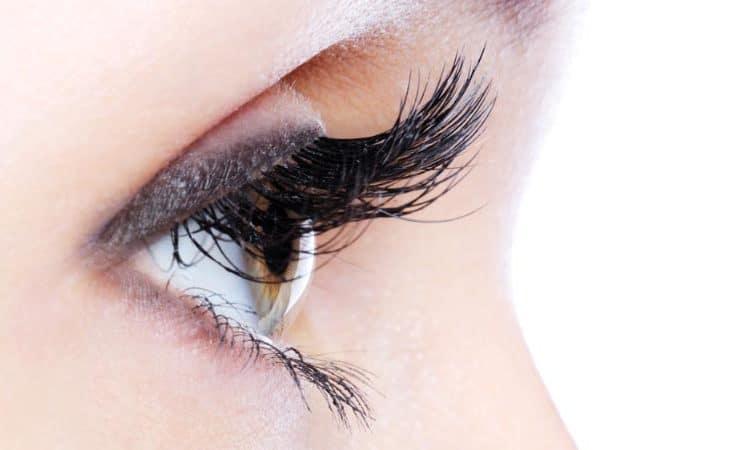Topp 5: Bästa ögonfransserum